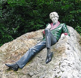 wilde-statue